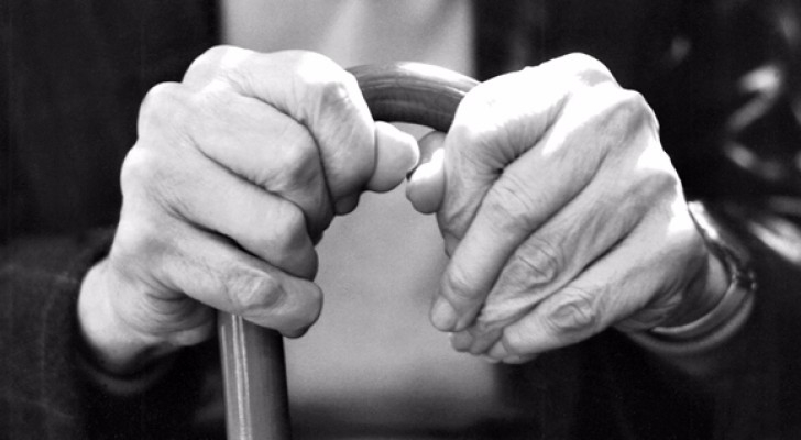 اعفاء من هم اكبرمن 80عاما من اشتراكات التأمين الصحي