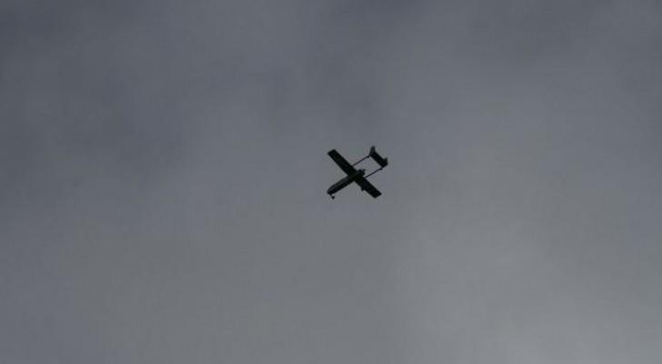 جيش الاحتلال يطلق النار باتجاه طائرة صغيرة على حدود غزة