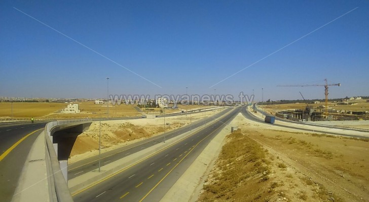 وزارة الأشغال تفتتح طريق عمان التنموي أمام حركة السير .. صور