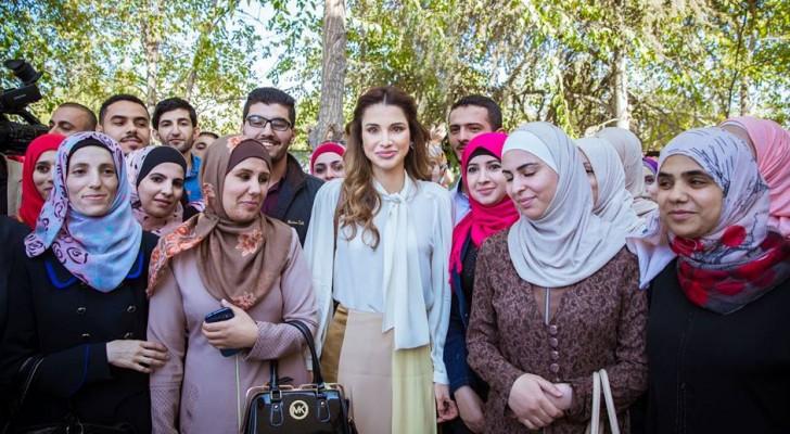 جلالة الملك رانيا العبدالله خلال خلال اطلاق المشروع