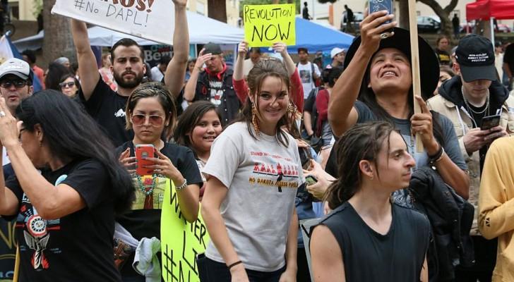الممثلة شايلين وودلي التي اعتقلت في وقت سابق أثناء الاحتجاجات