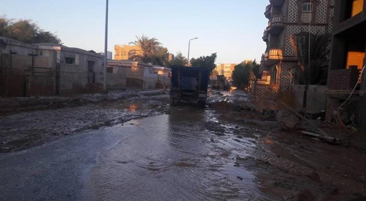 الامطار التي داهمت مدينة رأس غارب شمال البحر الأحمر المصرية