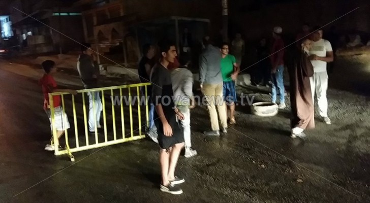المواطنون في منطقة بيت راس يحتجون على انقطاع المياه المستمر