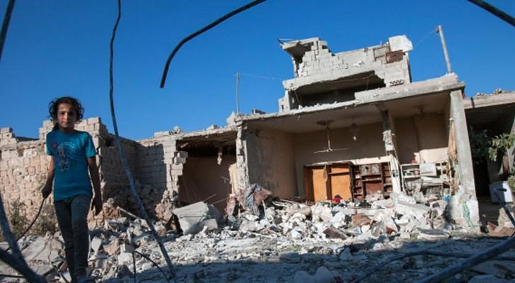 آثار القصف على إدلب - أرشيف