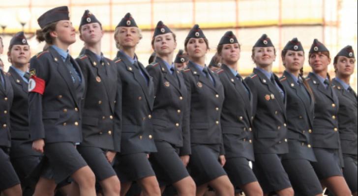 الجيوش النسائية مهامهن ليست قتالية فقط