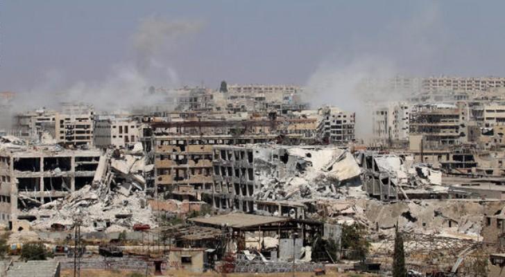 من أثار الدمار على مدينة حلب السورية