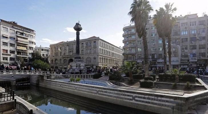 جانب من نهر بردى في العاصمة السورية دمشق.