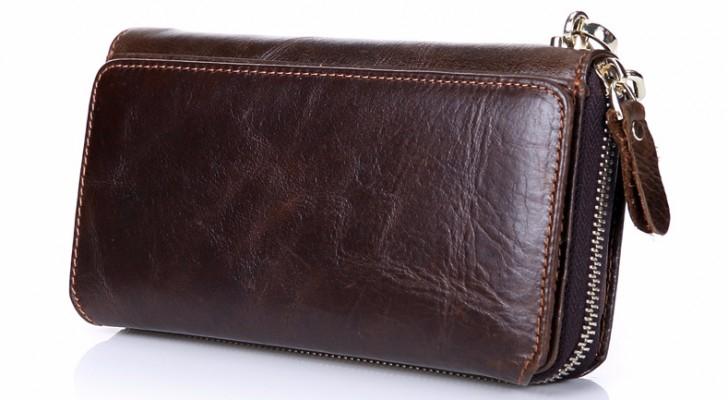 رقيب سير في اربد يعثر على محفظه ويعيدها لصاحبتها