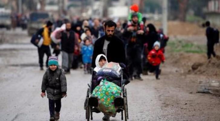 الآلاف يفرون من الموصل