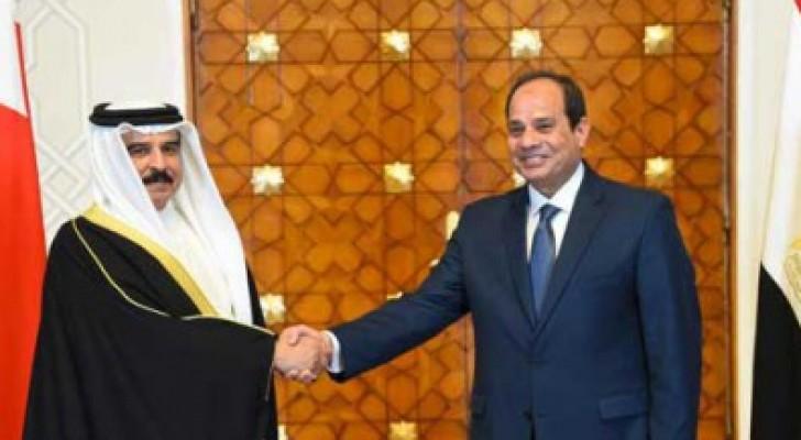 """السيسي وملك البحرين يؤكدان دعمهما ل""""تسويات سياسية""""  بالمنطقة"""