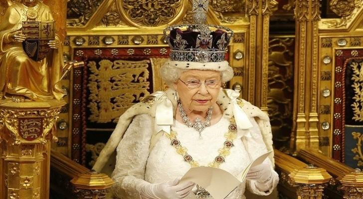 ملكة بريطانيا تبحث عن خياط براتب 22 ألف جنيه استرليني