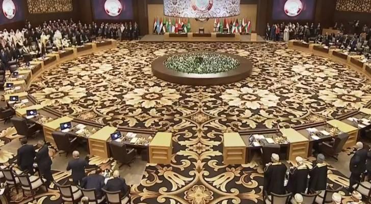 انطلاق أعمال القمة العربية