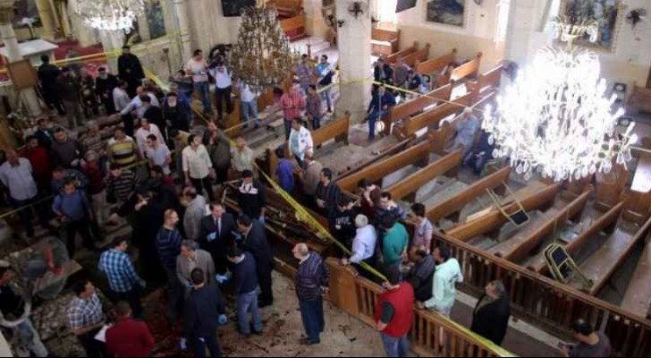 جانب من التفجيرات التي استهدفت كنيسة مصرية
