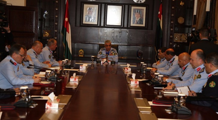 مدير الامن العام اللواء الركن احمد سرحان الفقيه يترأس اجتماعا امنيا مروريا