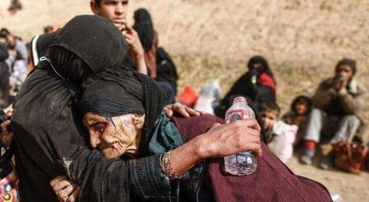 موجات النزوح من مدينة الموصل لا تتوقف بفعل المعارك