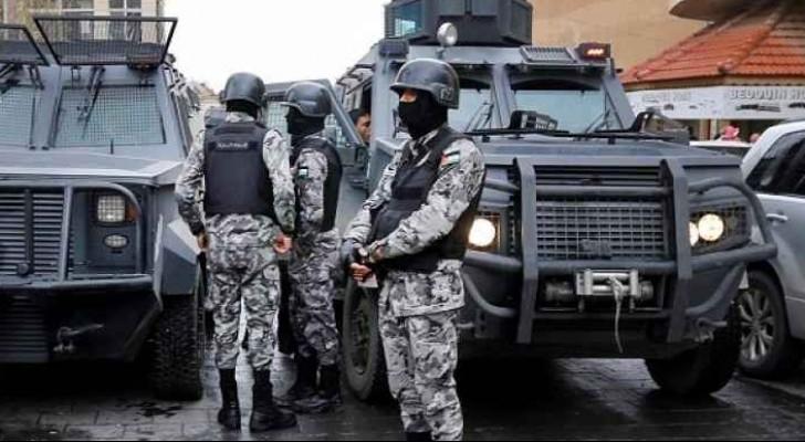 الأجهزة الأمنية خلال تعاملها مع المجموعة الارهابية في الكرك