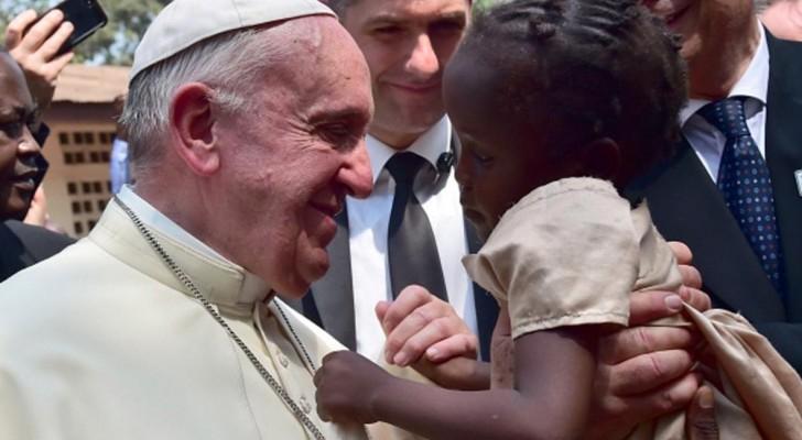 البابا فرنسيس في زيارة سابقة إلى إفريقيا الوسطى
