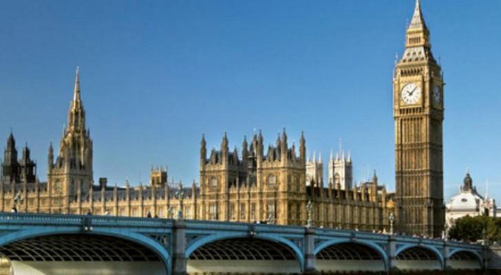 مبنى البرلمان البريطاني