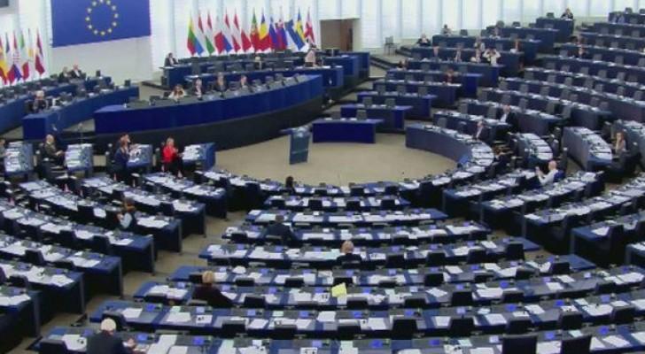 الاتحاد الأوروبي يمدد العقوبات على روسيا 6 أشهر