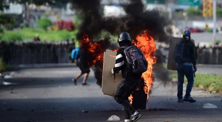 فنزويلا تشهد مظاهرات ضد الجمعية التأسيسية