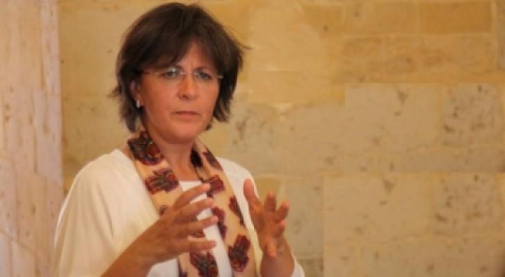 وزيرة السياحة والاثار لينا عناب