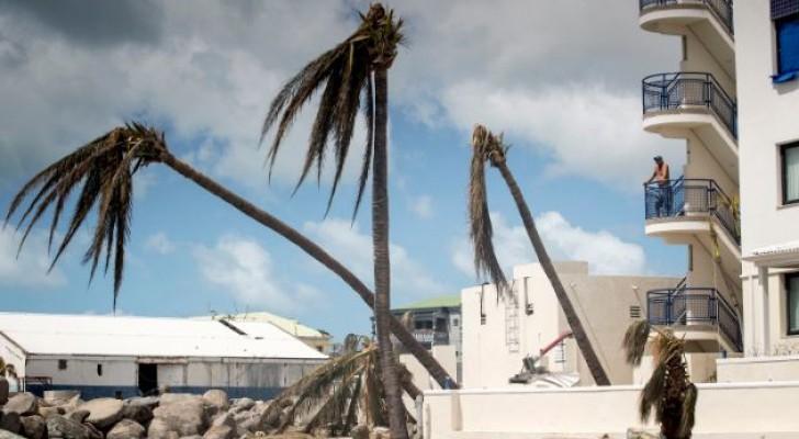 أثار مدمرة لإعصار إرما فى جزيرة سانت مارتن الهولندية