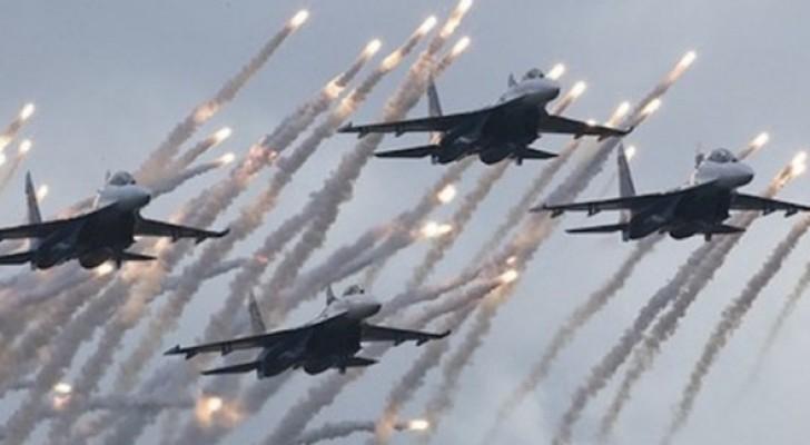 القصف استهدف المنطقة الصناعية بدير الزور