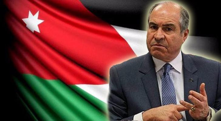 """حكومة الملقي ترى في جيوب الأردنيين """"آبار نفط"""" لسداد عجزها المالي"""