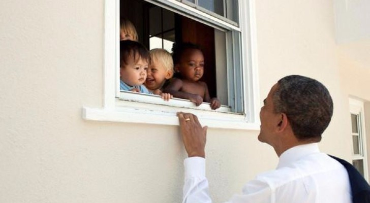 الصورة التي نشرها أوباما مع تغريدة حطمت الرقم القياسي على تويتر