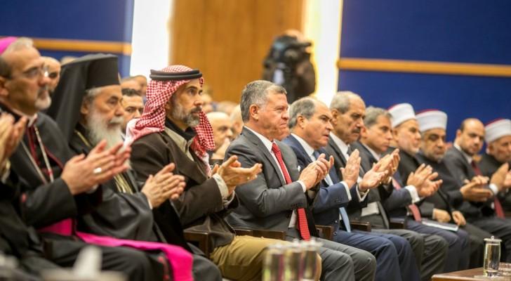 الملك يلتقي رجال دين وشخصيات وقيادات مسيحية من الأردن والقدس