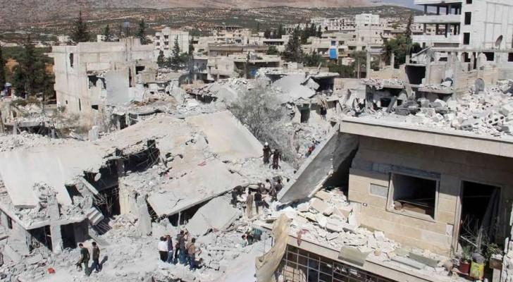 من آثار قصف جوي تعرضت له إدلب - أرشيفية
