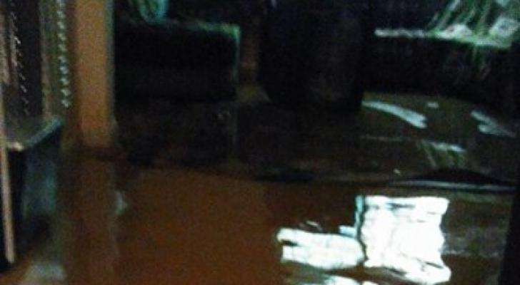 صورة من مداهمة المياه للمنزل