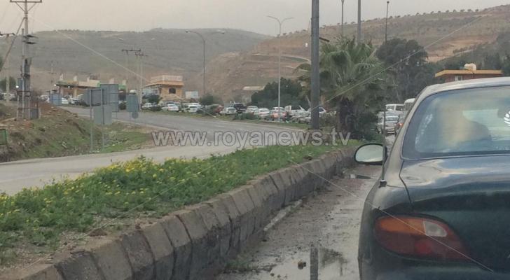 أزمة خانقة على طريق اربد عمان بسبب حادث سير