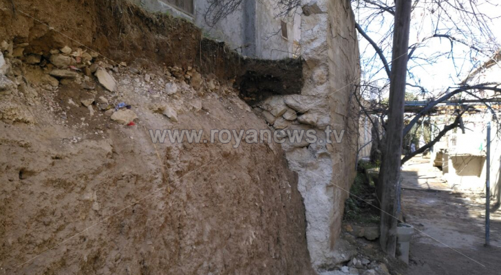 انهيار جدار استنادي في الطفيلة بسبب الأمطار