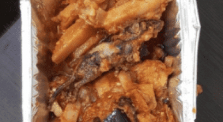 وجبة الطعام التي عثر داخلها على الفأر المطبوخ