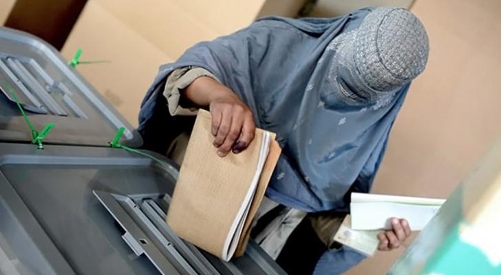 ارشيفية لعملية اقتراع في افغانستان