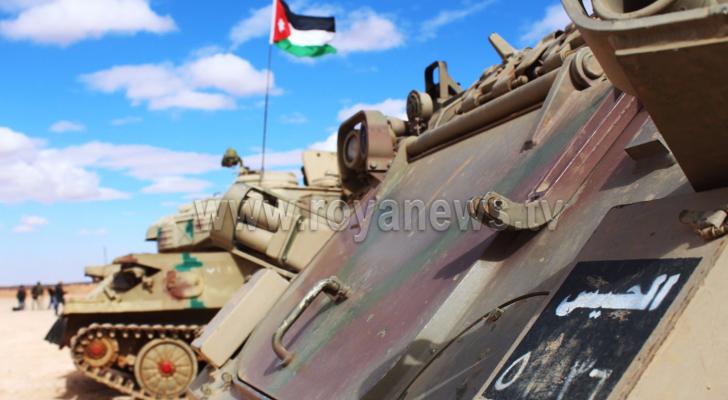 مدرعات للجيش على الحدود مع سوريا (ارشيف رؤيا)
