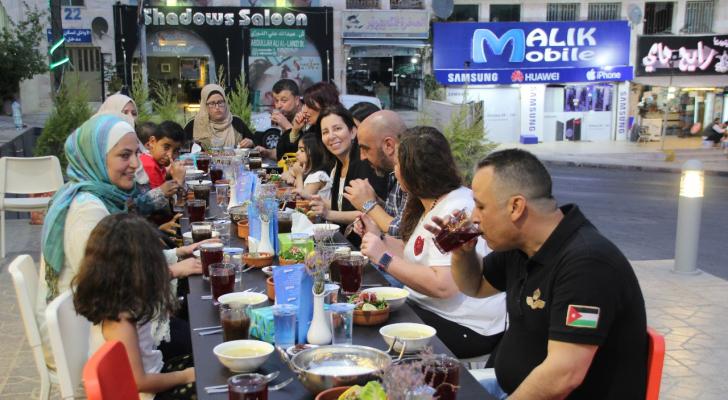 حفل إفطار خيري حضره لحملة (فيكم الحياة)