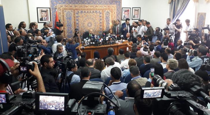 جانب من المؤتمر الصحفي الذي عقده الرزاز في دار الرئاسة الثلاثاء للحديث عن قرارات الحكومة