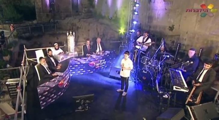 مستوطنون يقيمون حفلا غنائيا في الحرم الابراهيمي
