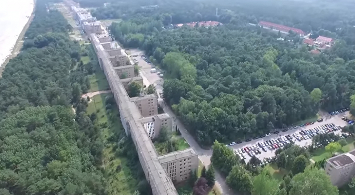 افتتاح منتجع سياحي عملاق بناه أدولف هتلر في ألمانيا