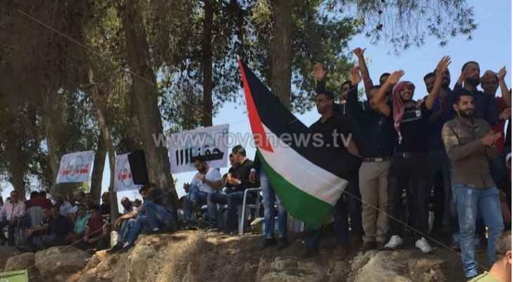 صورة من اضراب العاملين في دار الدواء