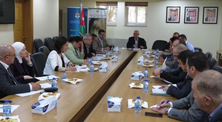 لقاء يجمع ممثلي الصناعات الوطنية مع وزيرة الطاقة والثروة المعدنية المهندسة هالة زواتي