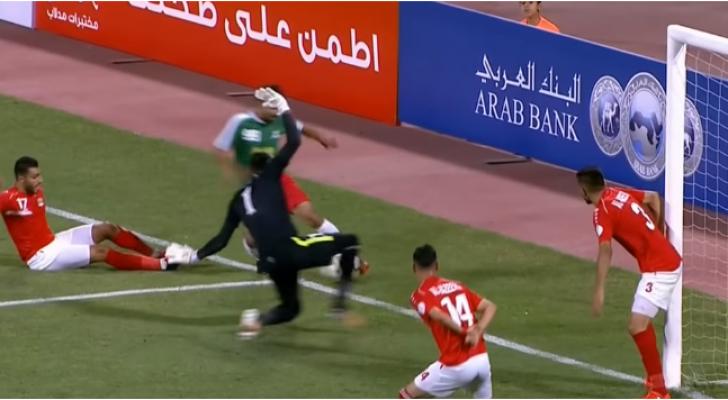 جانب من مباراة الجزيرة والوحدات
