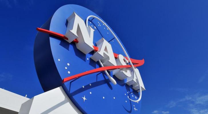 أول رائد فضاء ينسحب في تاريخ ناسا