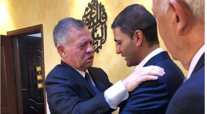 الملك يعزي والد الطفل هاشم الكردي