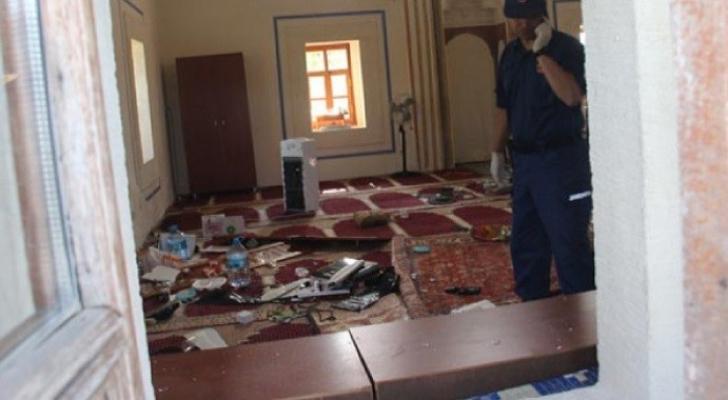 مجهولون يهاجمون مسجدا في تركيا