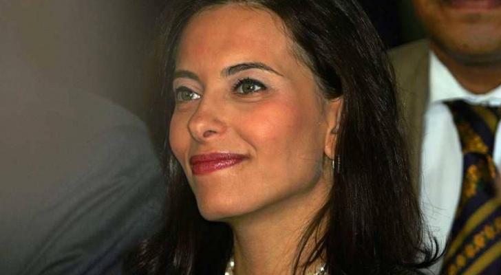 انضمت دينا إلى إدارة الرئيس السابق جورج بوش الابن عام 2003
