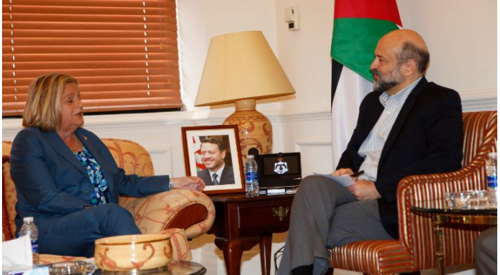 رئيس الوزراء الدكتور عمر الرزاز  يلتقي عضو الكونجرس الامريكي النائب اليانا روس – ليننتين