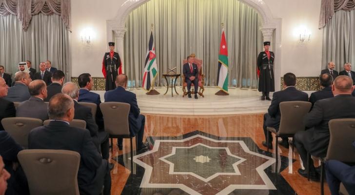 الملك يستمع إلى رد مجلس الأمة على خطاب العرش السامي